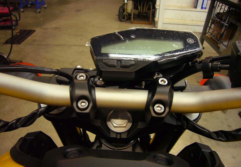 This pic shows the new position of the gauge using the new GC bracket.